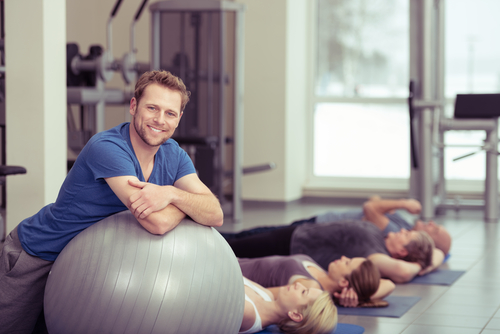 How to find a senior-friendly fitness center